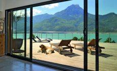 Isolation thermique optimale, luminosité exceptionnelle, etc : découvrez les nombreux avantages d'une baie vitrée
