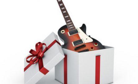 Offrir des cours de guitare : une surprise assurée